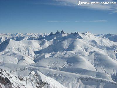 Descente de la piste la plus longue du monde la sarenne - Office du tourisme de l alpes d huez ...