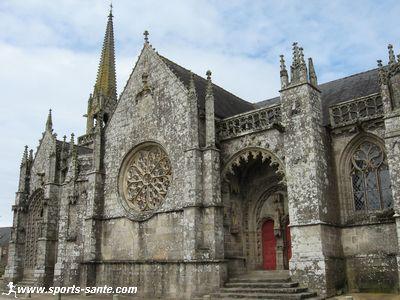 Visite de la Chapelle de Kernascl�den pr�s de Plouay (Morbihan)