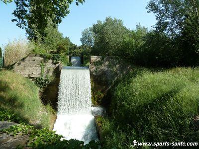 Photo du canal des alpines à St Rémy de Provence