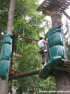 parc aventure dans les arbres morillon les aventuriers du lac. Black Bedroom Furniture Sets. Home Design Ideas